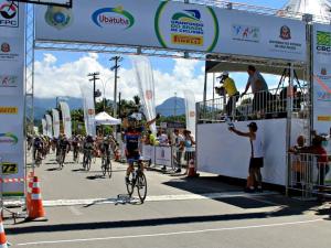 Roberto Pinheiro vence 8º Granfondo do Brasil de Ciclismo