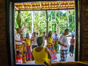 Grupos folclóricos de Ubatuba recebem prêmio nacional