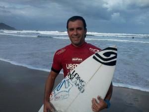 Ubatuba Pro Surf – Galvão e Suelen faturam primeira etapa na praia Grande