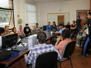 Prefeito recebe estudantes universitários da cidade e debate transporte