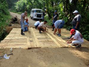 Secretaria de Obras reforma as duas pontes do bairro da Casanga