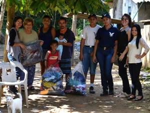 Campanha do Agasalho de Ubatuba – População carente recebe doações