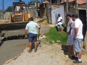 Prefeitura executa serviços de concretagem no bairro Bela Vista
