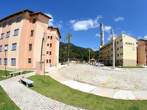Prefeitura e Estado entregam 144 apartamentos do CDHU
