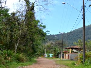 Prefeitura instala 45 luminárias em diferentes ruas da Lagoinha
