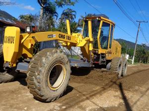 Prefeitura inicia ações para melhorar condições de vias não pavimentadas