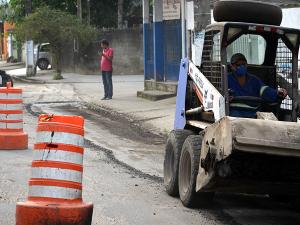 Começa o recapeamento da ligação Centro / Itaguá