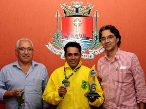Sandro Gonçalves é campeão do Campeonato Brasileiro de Karatê
