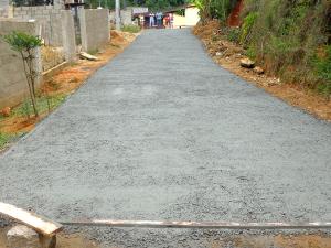 Prefeitura finaliza concretagem no bairro do Ipiranguinha