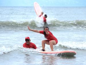 Perequê-Açu recebe última etapa do III Surf e Praia Para Todos