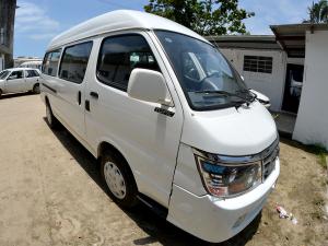 Prefeitura compra nova van para transporte de pacientes