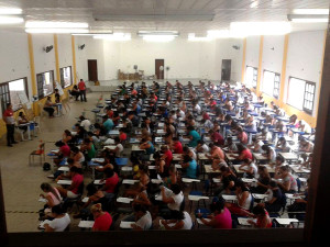 Milhares de candidatos fazem a prova do Concurso Público