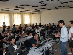 Segunda edição do Flisol Ubatuba reúne estudantes e ativistas de tecnologia