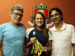 Sabrina Jacob Todão conquista 3 ouros no Sulamericano Juvenil de Natação