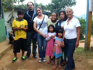 Aldeia Boa Vista recebe kits com doações da Campanha do Agasalho 2015