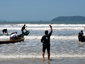 Circuito Festa do Remo de Stand Up e Canoa Caiçara desembarca no Ubatumirim
