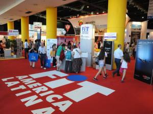 Ubatuba marca presença e apresenta atrativos na Feira Internacional de Turismo