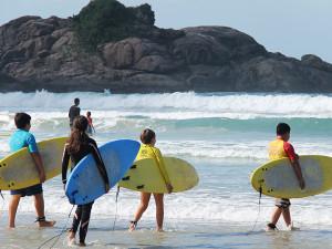 Prefeitura apresenta terceira edição do Circuito Estudantil de Surf