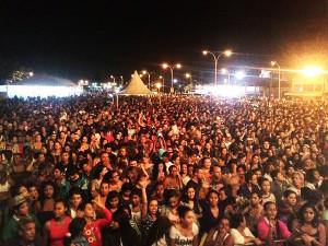 Aniversário da cidade reúne milhares de famílias na Praça de Eventos