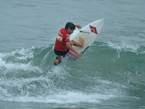 Seletiva da região Central define últimos finalistas do Circuito Estudantil de Surf