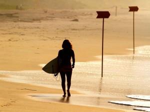 Etapa de Ubatuba define campeã brasileira de surf profissional feminino em 2015