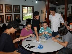 Prefeitura promove aula prática de redes de computadores para alunos da Etec
