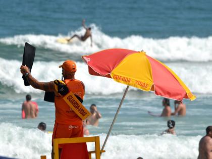 GBmar alerta população para redobrar cuidados no mar durante feriado