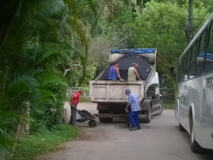 Prefeitura faz operação tapa buraco e normaliza coleta na região da Fortaleza
