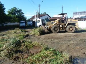 Prefeitura mantém serviços de zeladoria em diferentes pontos do município