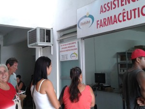Farmácia Municipal distribui medicamentos para cerca de 250 pessoas por dia