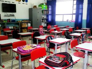 Escolas municipais recebem novas mesas e cadeiras