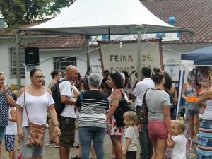 Primeira Feira de Economia Solidária movimentou Praça 13 de Maio no feriado