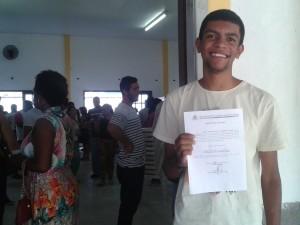 Mais jovem concursado a tomar posse atua junto à assistência social