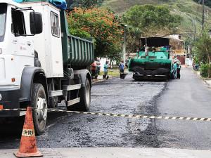Começa o recapeamento das ruas da região central