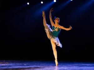 Bailarina de Ubatuba participa de importante competição internacional