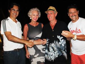 Ubatuba recebe show do famoso cantor canadense Rick Valiant