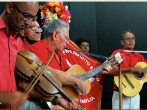 Fim de semana marca início da tradicional Folia do Divino pelos bairros de Ubatuba