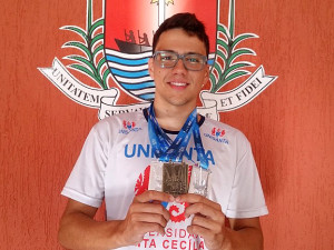 Jovem ubatubense conquista três medalhas no Circuito Rei e Rainha do Mar