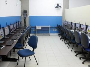 Prefeitura inaugura décimo laboratório de informática em escola municipal