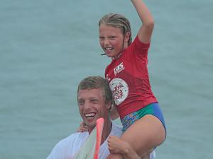 IV Circuito Estudantil de Surf agita semana no Perequê-Açu