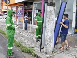 Prefeitura fiscaliza uso irregular de calçadas