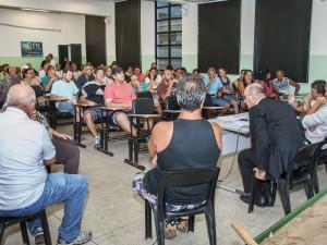 Prefeitura e usuários debatem critérios para comercialização no Mercado de Peixes