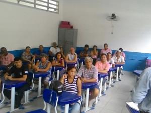 Representantes da Prefeitura dialogam com a comunidade da Regional Norte de Ubatuba
