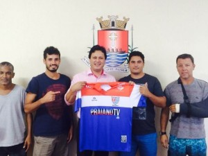 Praiano Futebol Clube visita Prefeitura de Ubatuba