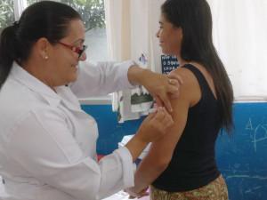 Vacinação contra Influenza em Ubatuba continua até o final de estoque
