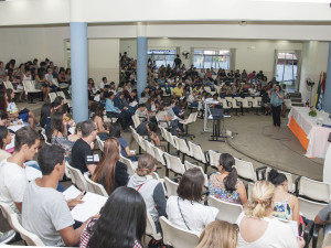 300 agentes educacionais de Ubatuba participam de formação