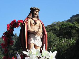 Imagem do Senhor Bom Jesus, localizada na Ilha Anchieta, percorre Paróquias de Ubatuba