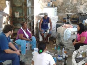 Técnicos do projeto Novo Ciclo capacitam associação de catadores de Ubatuba