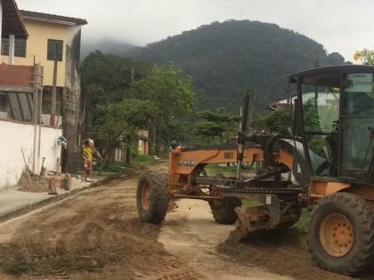 Mutirão no Perequê-Açu reforça manutenção das vias públicas