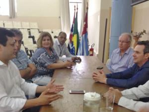 Prefeito Sato discute implantação do curso de Medicina em Ubatuba